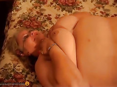 Bbw lesbians fuck and lick each other