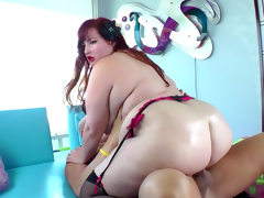 Fat eliza allure fucks with christian..