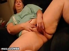 Amateur mature bbw masturbating